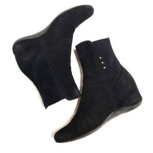 Aquatalia Versus Suede Wedge Ankle Boot Black 8.5